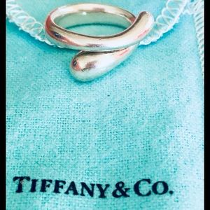 Tiffany and Co Elsa Peretti Sterling teardrop ring